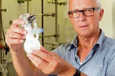 CEO / Senior Scientist Advisor: Prof. Dr. Erhard Kemnitz